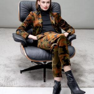 Velvet camouflage ladies blazer & track pants